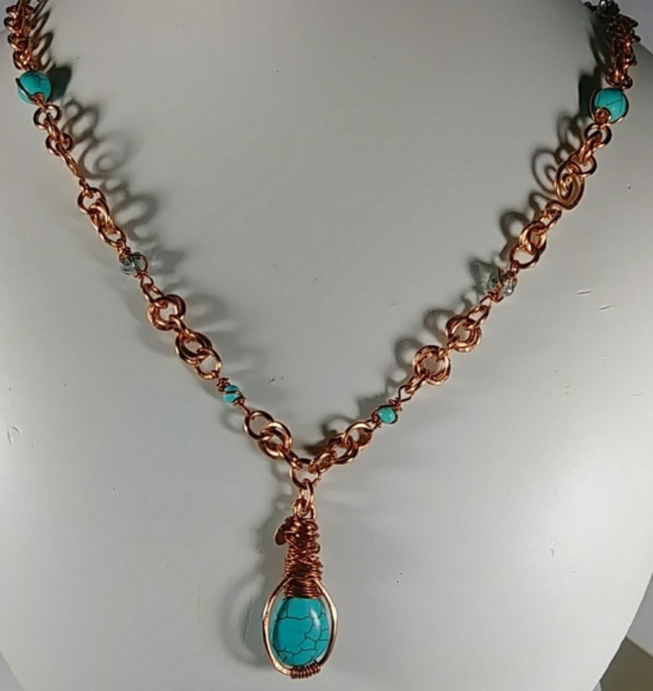 (304 -NCK) - Description: Copper Wire, Beads, Turquoise Howlite (Gemstones) , Faceted Glass Beads, Hook Closure  Dimension: 25 Inches (L)